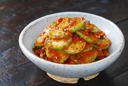 Cach lam salad tron ngon don gian tai nha (4)