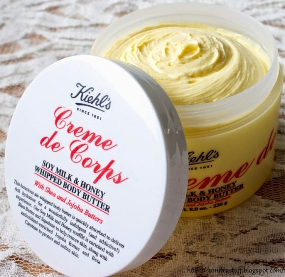 Kem dưỡng thể Creme de Corps Soy Milk Honey Whipped Body Butter với chất kem đặc có độ dưỡng ẩm cao