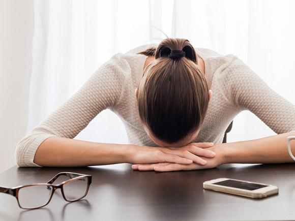 Mệt mỏi, cơ thể suy yếu là dấu hiệu ung thư phổi giai đoạn đầu