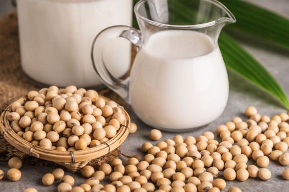 Trong sữa có rất nhiều chất rất tốt cho việc tăng cân