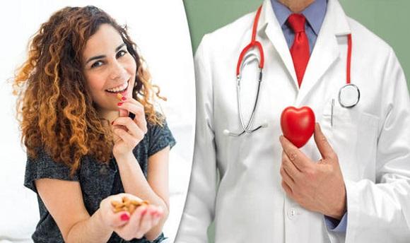 Ăn hạt hạnh nhân mỗi ngày có thể giúp bảo vệ tim (3)