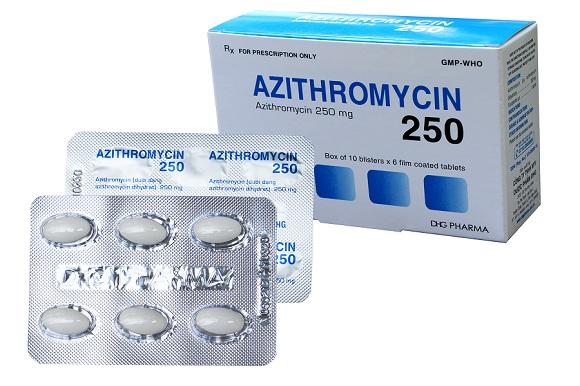 Azithromycin là thuốc kháng sinh, có khả năng ức chế sự phát triển của vi khuẩn (3)