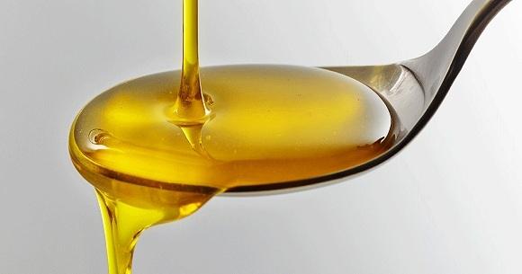 Cách phân biệt dầu ăn thật giả (9)