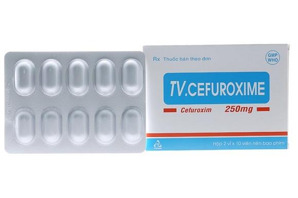Cefuroxime là thuốc kháng sinh được dùng để ức chế sự phát triển của vi khuẩn gây bệnh, chống nhiễm trùng sau phẫu thuật (3)
