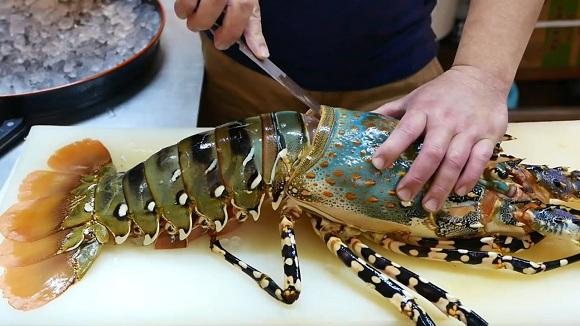 Hướng dẫn cách làm thịt tôm hùm (2)