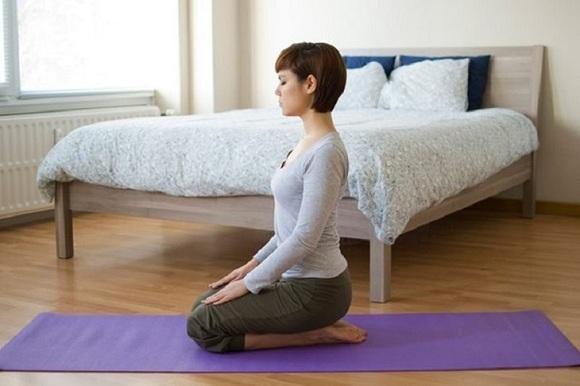 Những bài tập thể dục nhẹ nhàng giúp bạn dễ dàng chìm vào giấc ngủ (4)