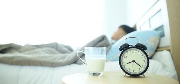 Sữa tươi giúp ngủ ngon hơn (3)