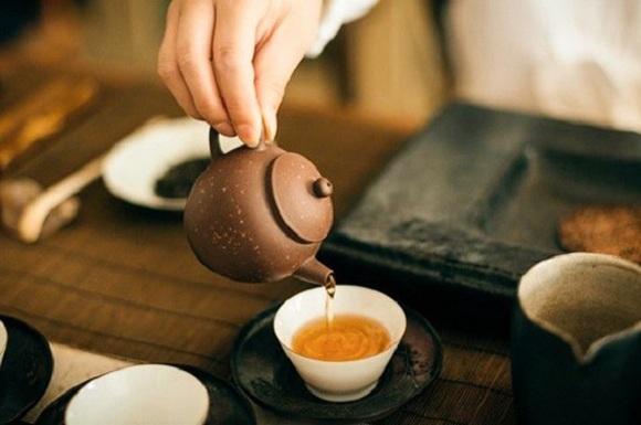 Uống trà đúng cách là sau khi ăn khoảng 30 phút (8)